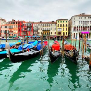 Γόνδολες στο Μεγάλο Κανάλι, Βενετία, Ιταλία