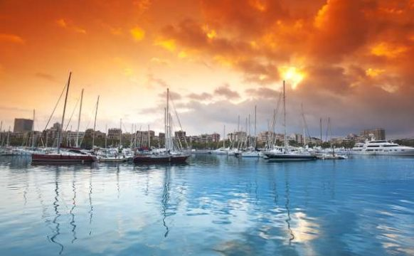Port Vell – marina in Barcelona-600